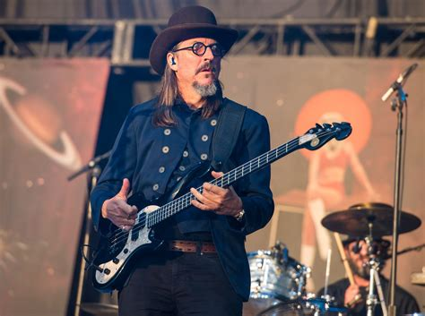 10 Years and 10 Questions with Les Claypool | Interview