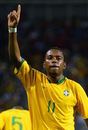 Top Football Players: Robinho Profile - Images/Pictures