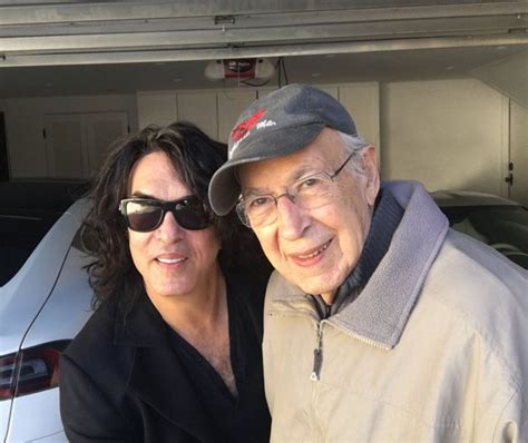 Paul Stanley's Dad Watched A KISS show - He's 98 - I Love