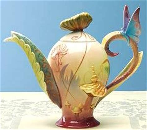 Alice in Wonderland tea pot (Franz) from our Other